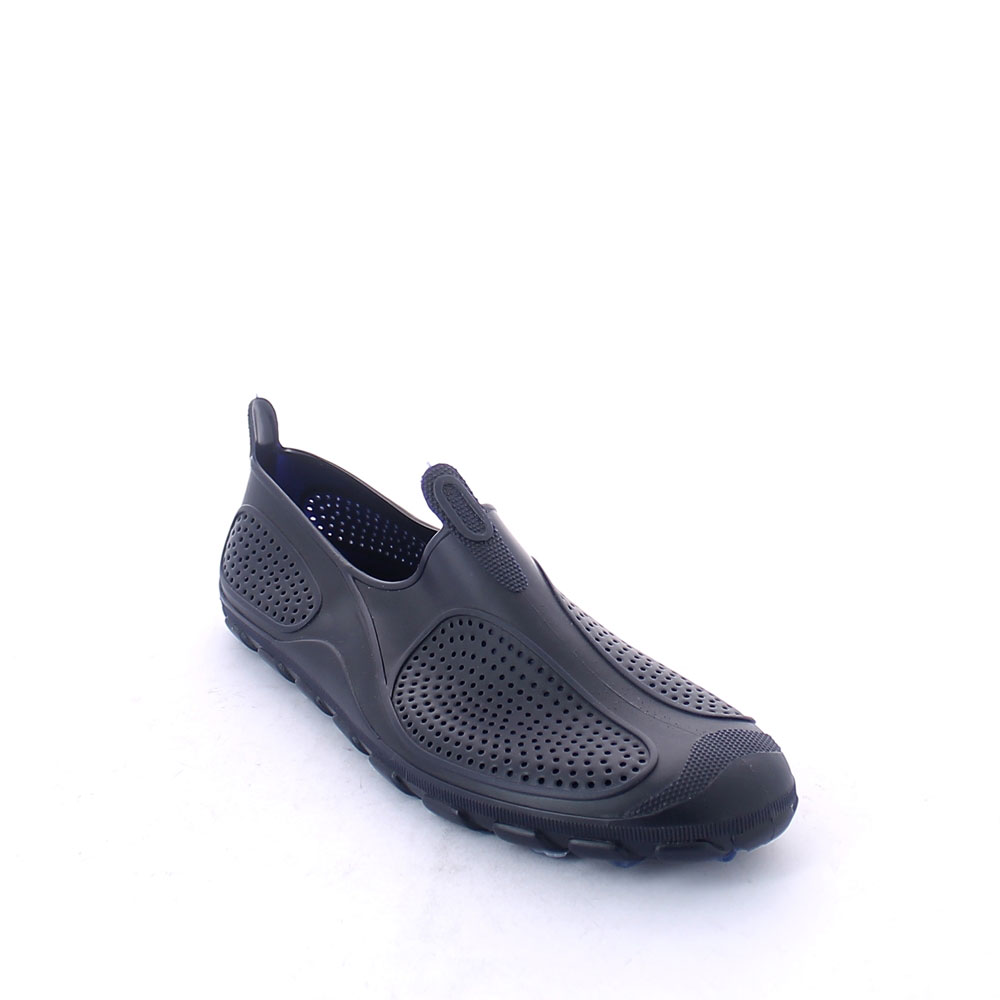 Solid colour pvc perforated Surf shoe