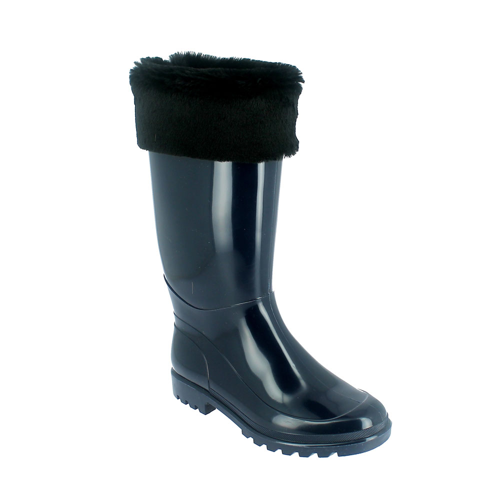 Bright finish Pvc Boot with synthetic wool inner lining and synthetic fur cuff
