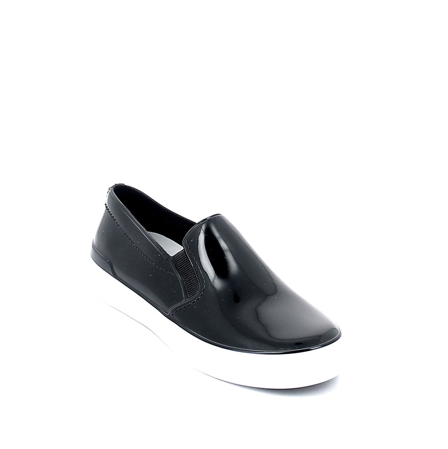 Slip on shoe in bright pvc; inside lining colour matched with the upper and insole
