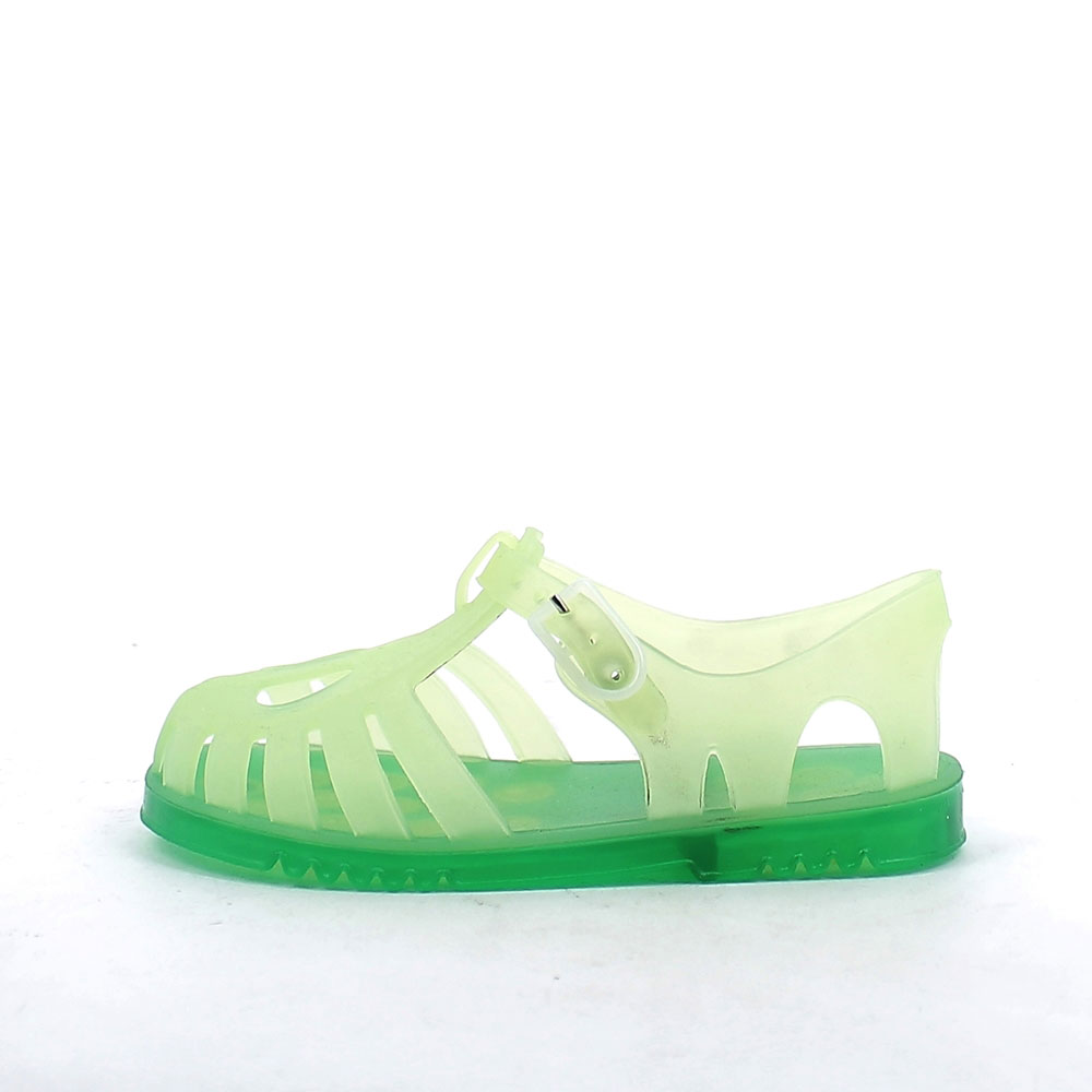 Solid colour pvc sandal with sand-blasted effect and two-hole upper