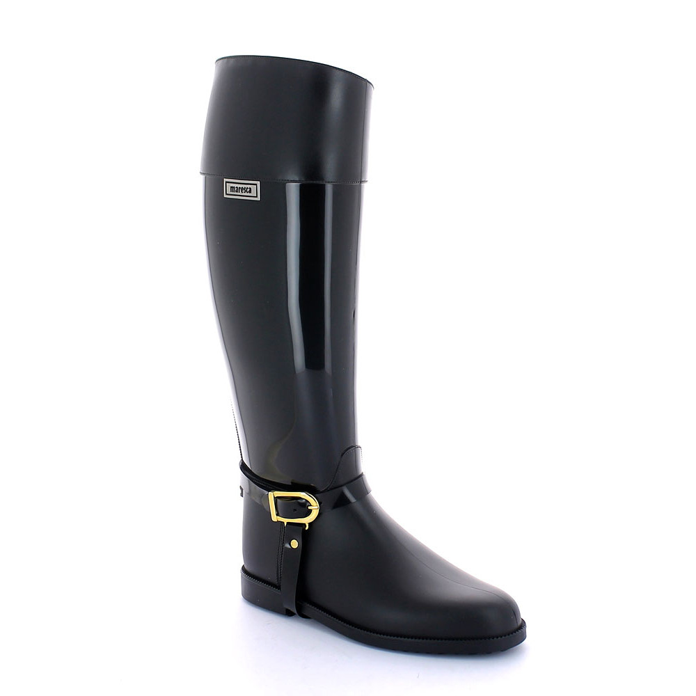 Pvc Riding boot with upper band/foot with matt finish and middle boot leg with bright finish; solid colour inner lining; with pvc stirrup and buckle