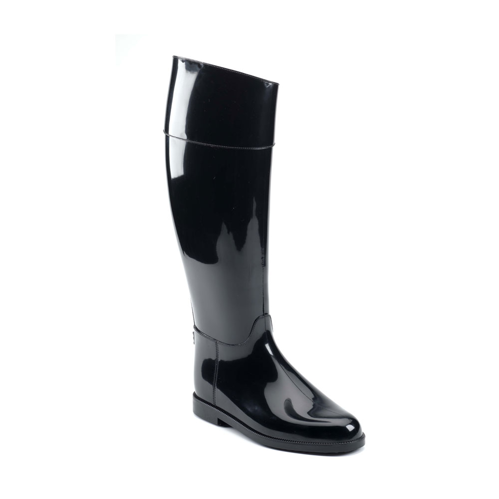 Riding boot with high boot leg and made of solid colour PVC with bright finish