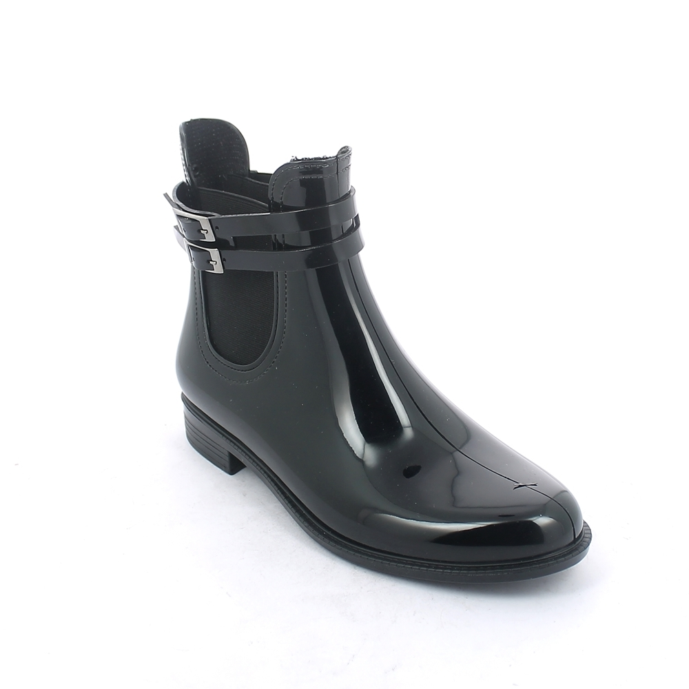 Chelsea boot in bright pvc with black colour elastic band on ankle sides and with double strap and buckle