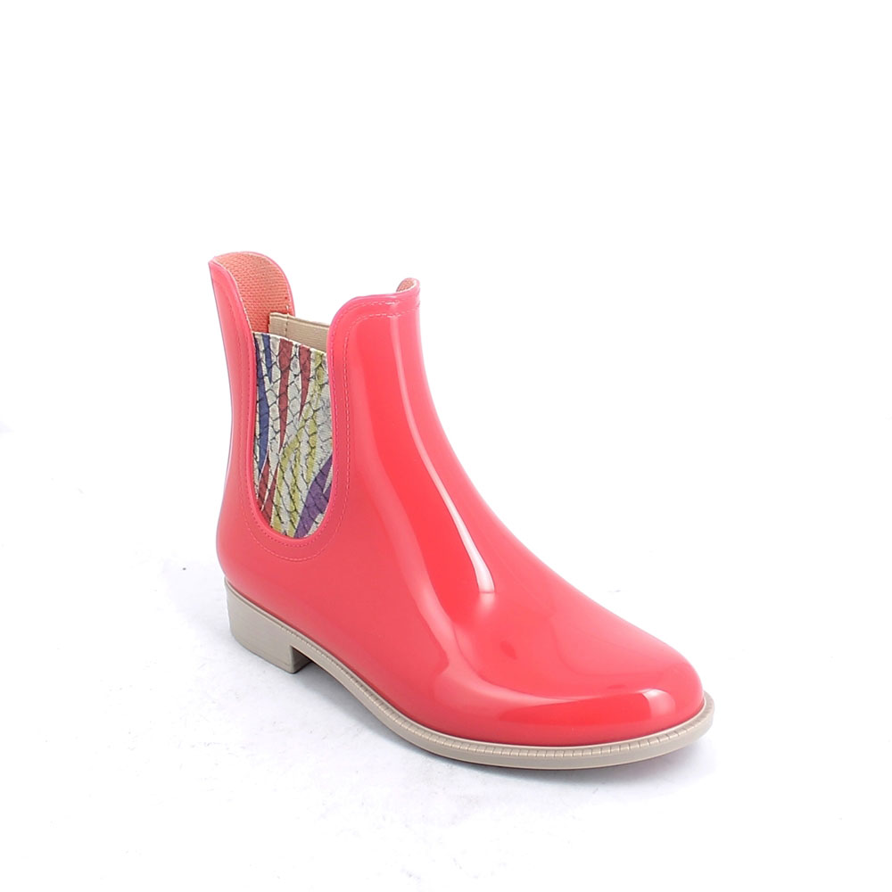 "Chelsea boot in bright transparent pvc with multicolor ""Reptile"" printed elastic bands on ankle sides"