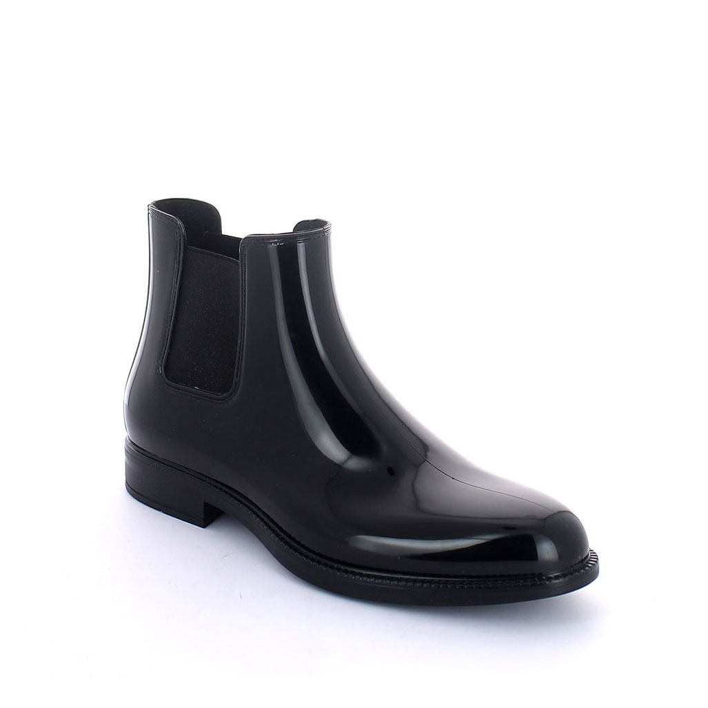 Chelsea boot in bright pvc with elastic band on ankle sides and insole - black colour