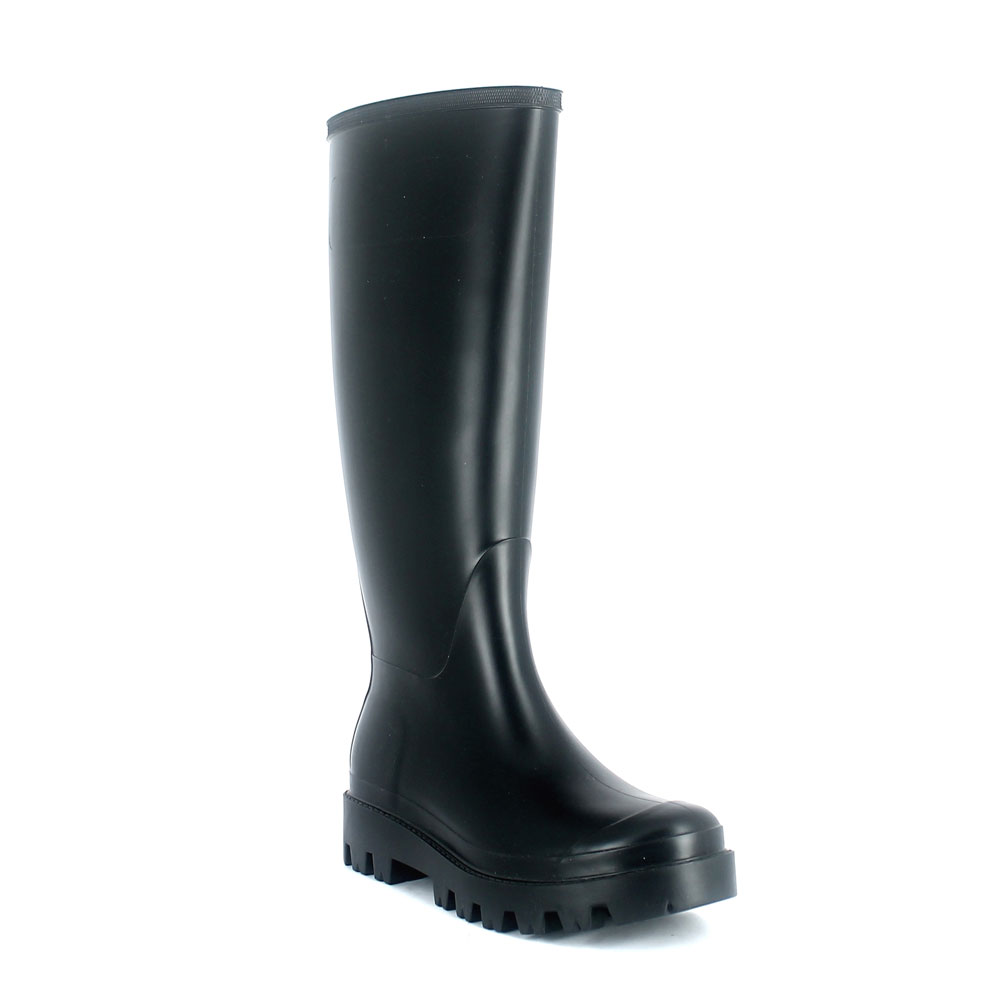 Wellington boot in matt  pvc without buckle on vamp upper side and high lug outsole