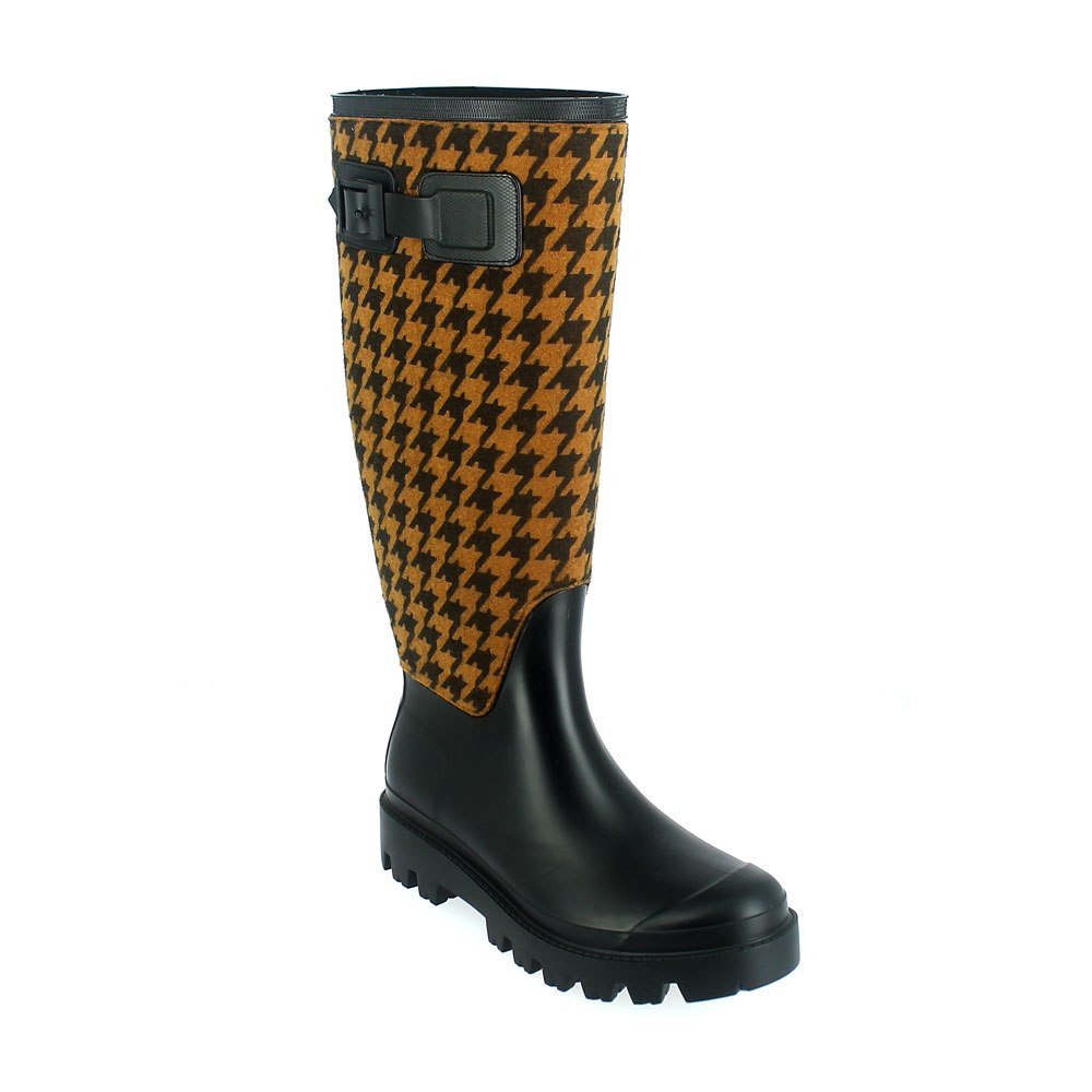 "Matt finish pvc Wellington boot with ""pied de poule"" fabric sewn on the bootleg and pvc lateral strap Lug outsole (VIB outsole). Made in Italy"