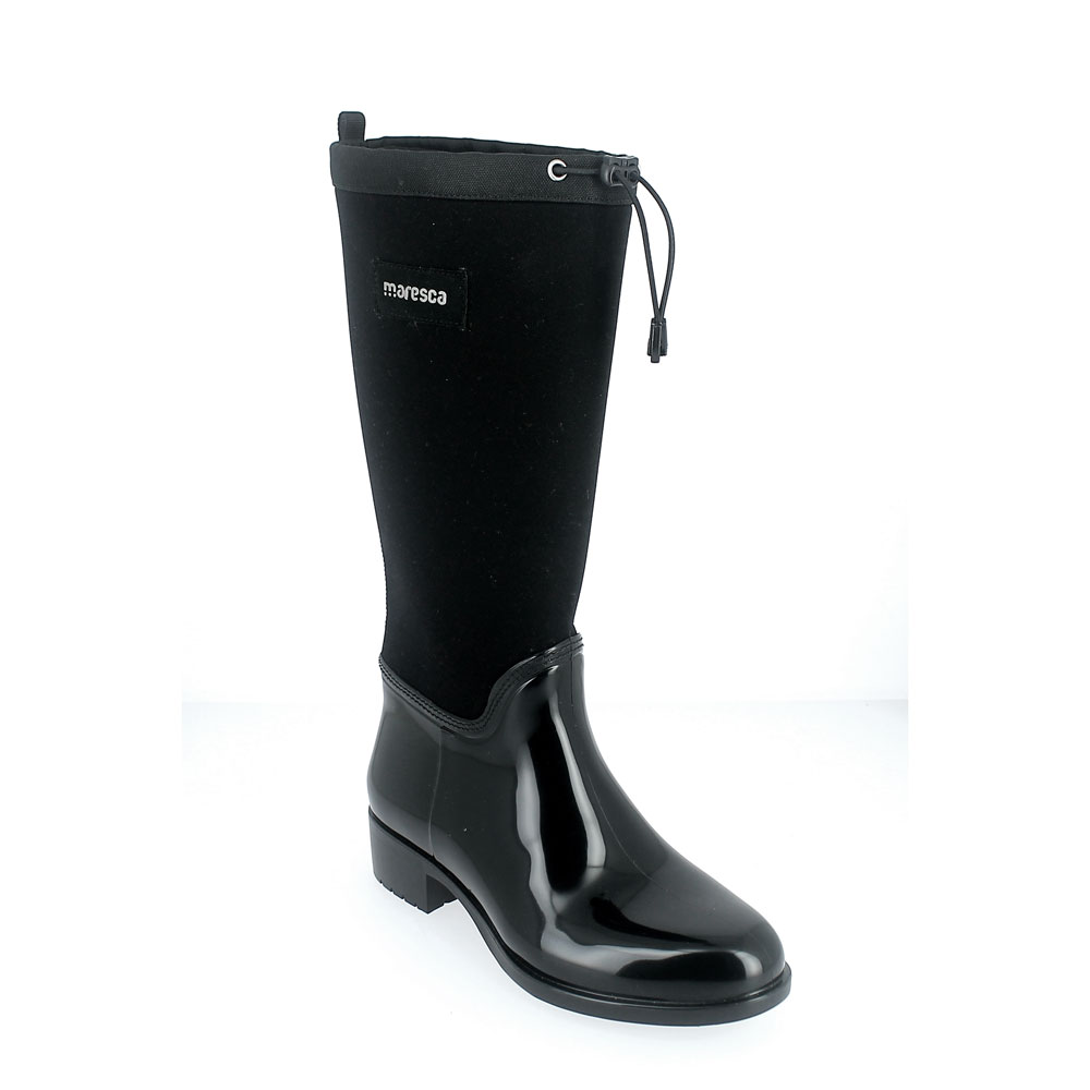 Pvc galosh with coulisse and high bootleg in neoprene material and wool foot lining. Made in Italy