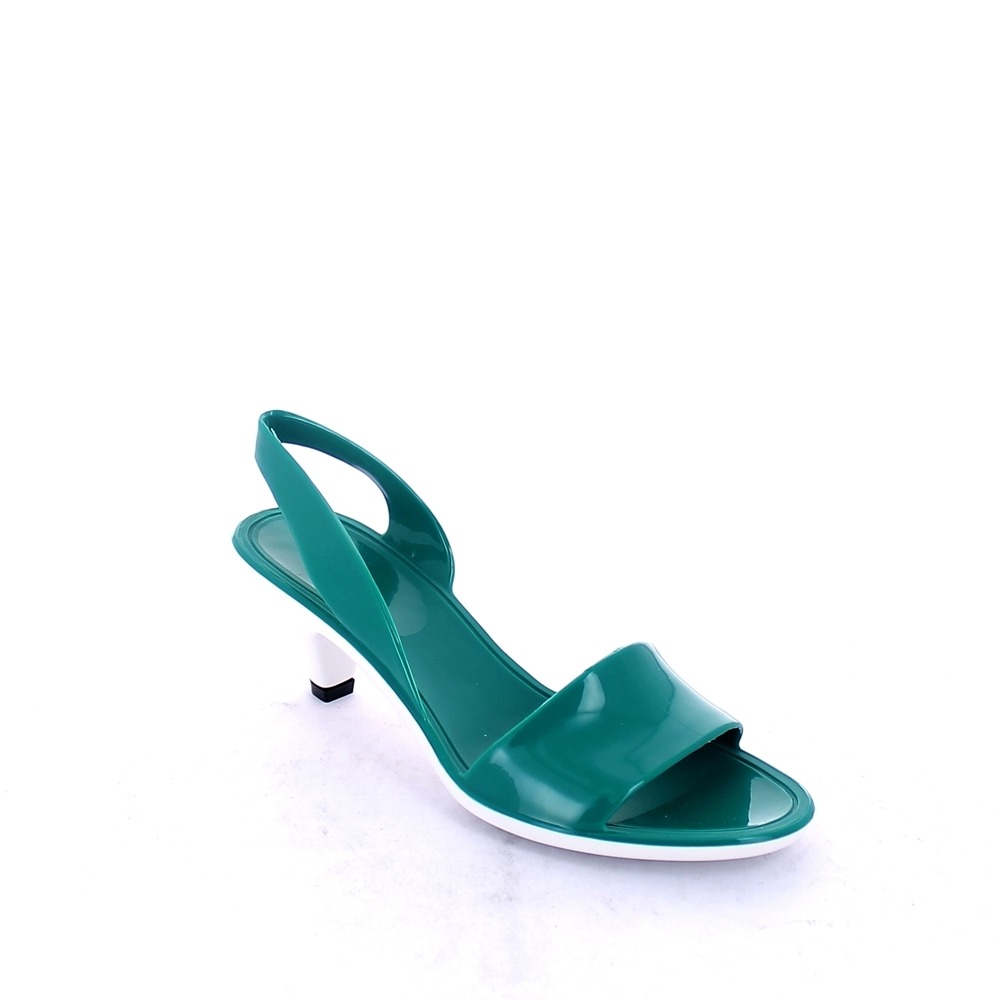 Solid colour bright effect pvc sandal with heel and pvc backstrap