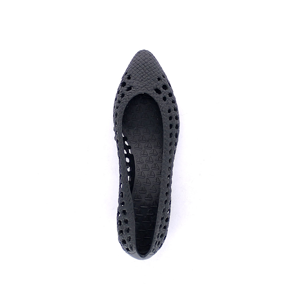 Solid colour bright finish pvc Ballet flat with perforations and round toe-end upper