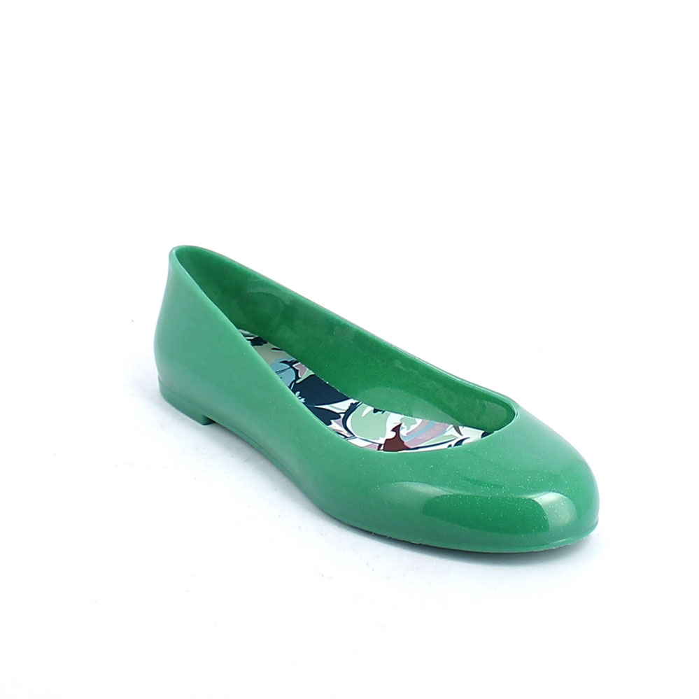 Ballet flat made of bright pvc with synthetic insole with coloured pattern and pad printing